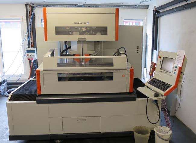 Electroerosiónes de hilo a control CNC CHARMILLES ROBOFIL 6050 TW